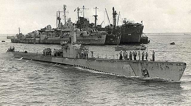 U.S.S.Icefish entering Saipan Harbor